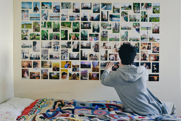 dorm-room-photo-wall.jpg