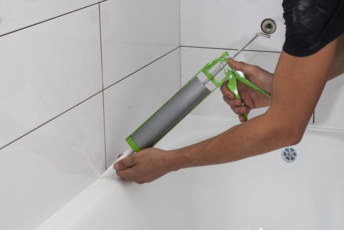 герметик для стыка ванной