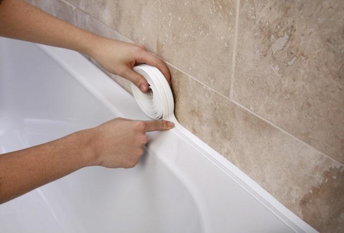 бордюрная лента на ванну