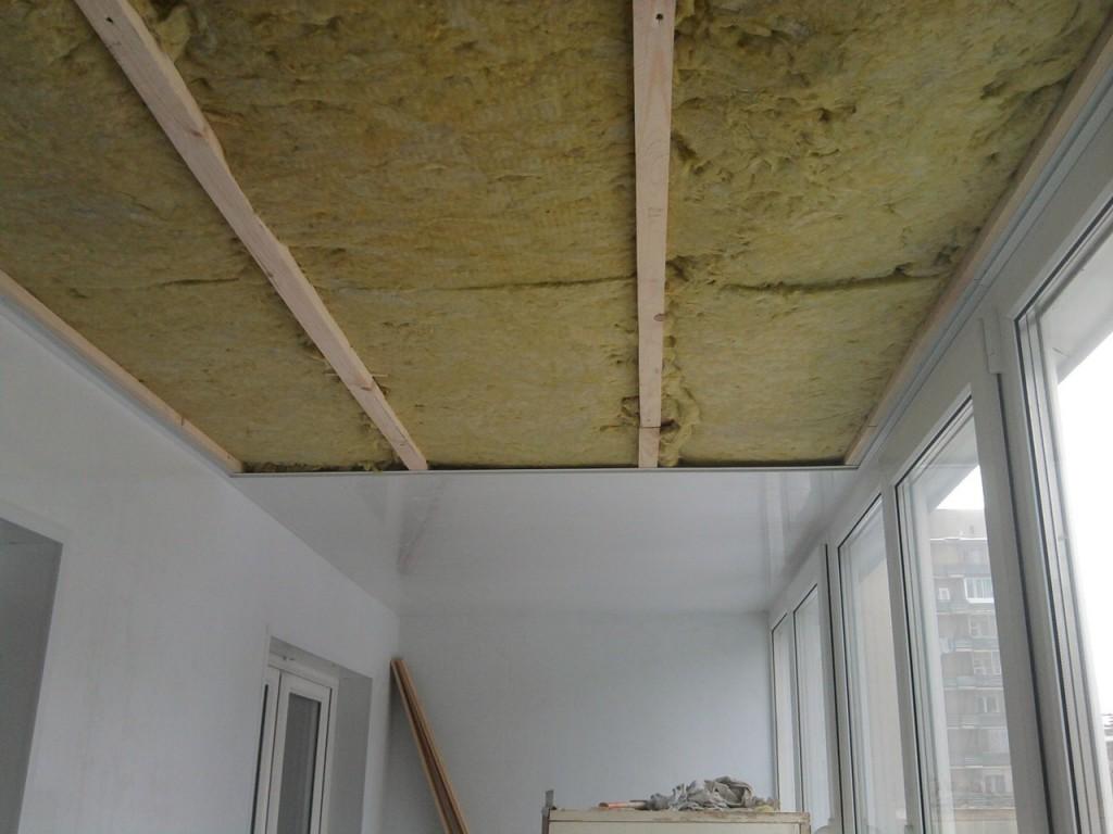 Утепление минеральной ватой потолка на лоджии