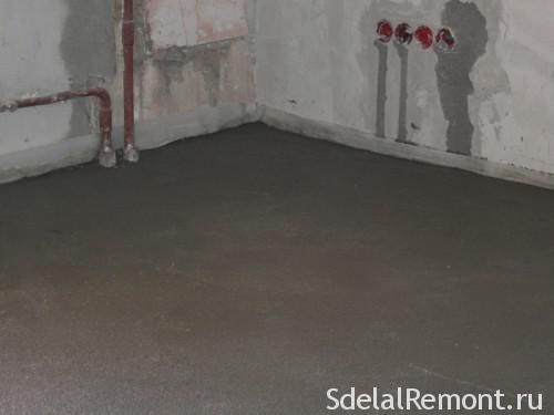 Semi-dry floor screed with their hands