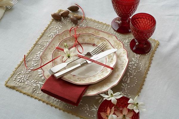 Салфетка на стол под тарелку